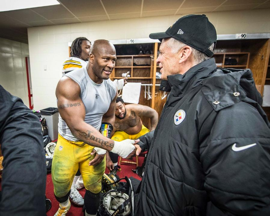 James Harrison, Art Rooney II, James Harrison Art Rooney Handshake, James Harrison 2nd retirement